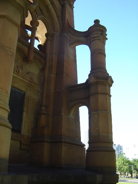 boer war memorial buttress Nov06 jb