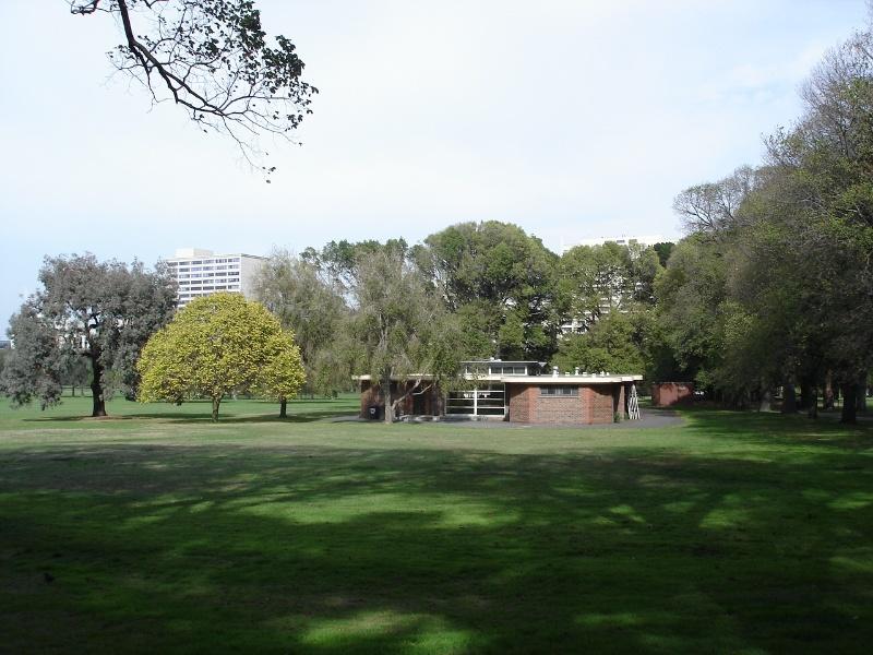 fawkner park central pavilion apr07 jmb