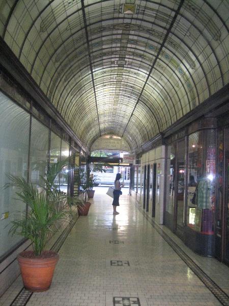 Nicholas Building_Melbourne_Cathedral Arcade 01_5 Feb 2007_mz
