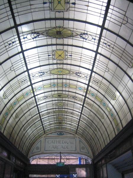 Nicholas Building_Melbourne_Cathedral Arcade 02_5 Feb 2007_mz
