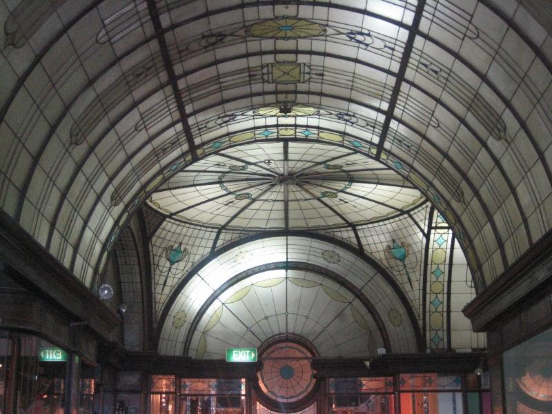 Nicholas Building_Melbourne_Cathedral Arcade 03_5 Feb 2007_mz
