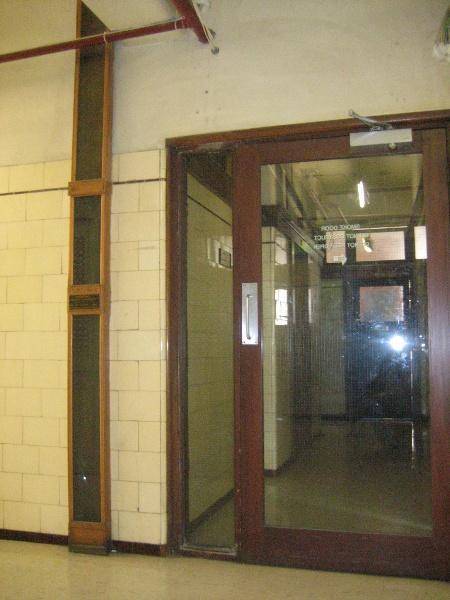 Nicholas Building_Melbourne_Letter Chute_3 Feb 2007_mz