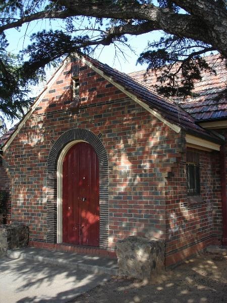 royal park pavilion front entrance apr07 jmb