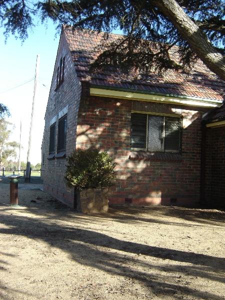 poplar oval pavilion front elevation jun07 jmb