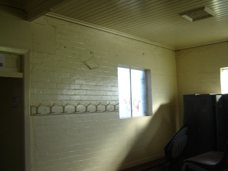 poplar oval pavilion interior with coat hooks jun07 jmb