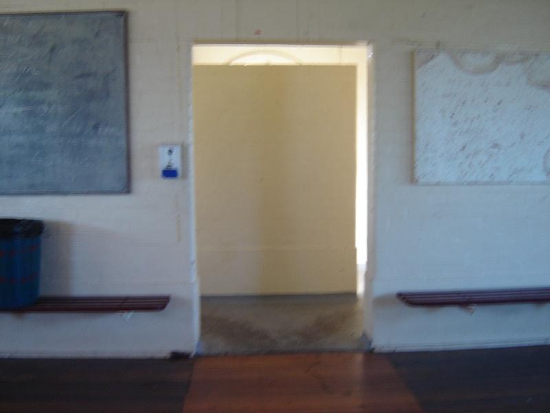 poplar oval pavilion interior exit jun07 jmb
