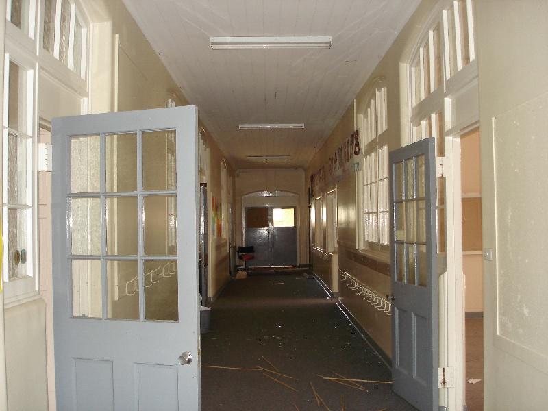 State school 2828 interior KJ 26 Jul 07