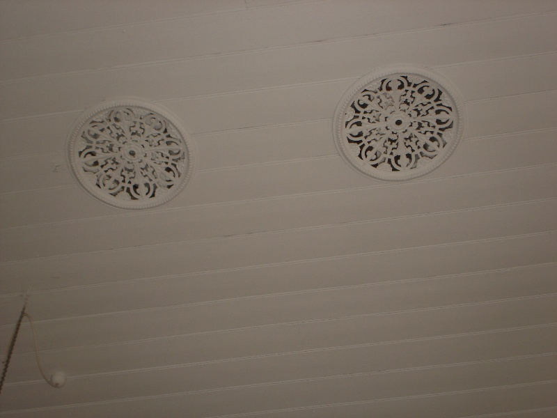 State school 2828 ventilators in ceiling KJ 26 Jul 07