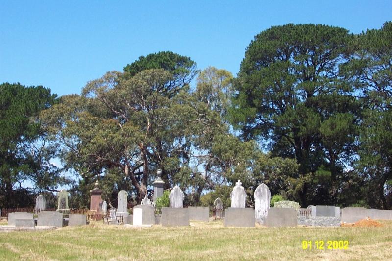 23260 Cemetery Balmoral 2105