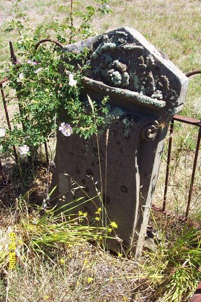 23260 Cemetery Balmoral 2107