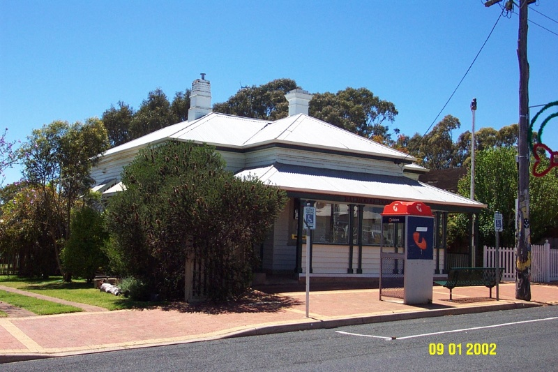 23251 Post Office Balmoral 0351