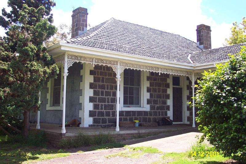 23189 Brisbane Hill north verandah 0286
