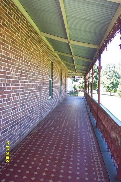23123 Englefield Balmoral side verandah 2304