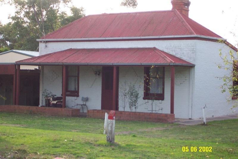 23388 George Thompson Cottage Glenthompson 1102