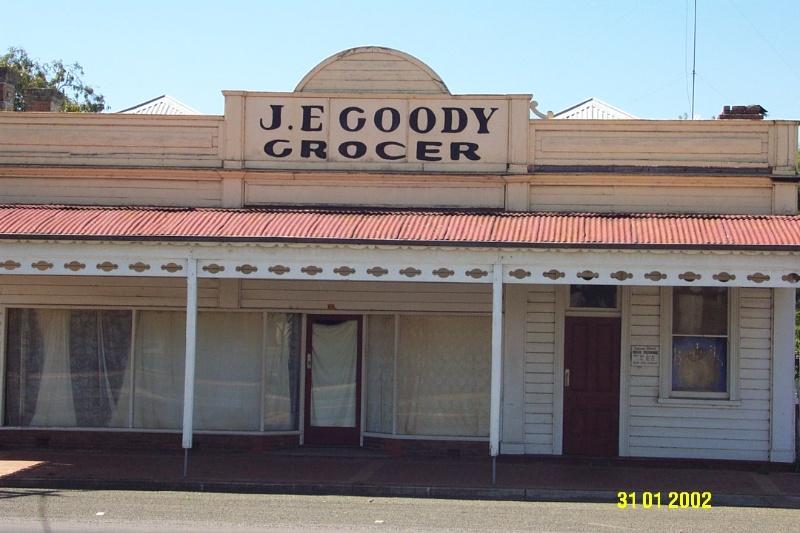 23111 J E Goody s Store Coleraine 0430
