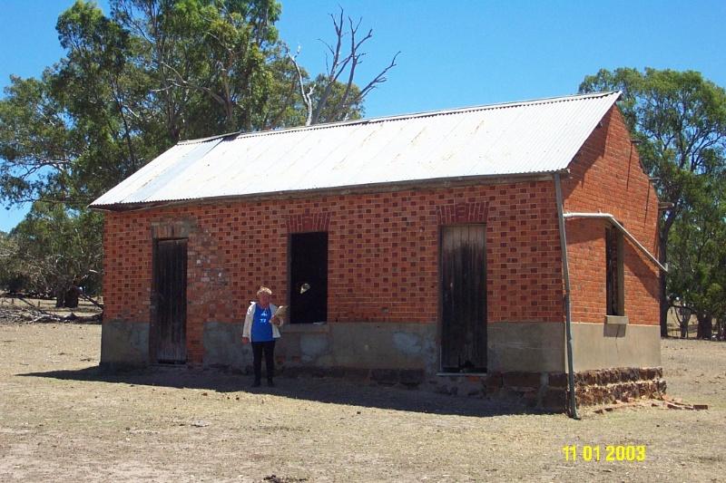 H0361 Kongbool Balmoral brick store 2367