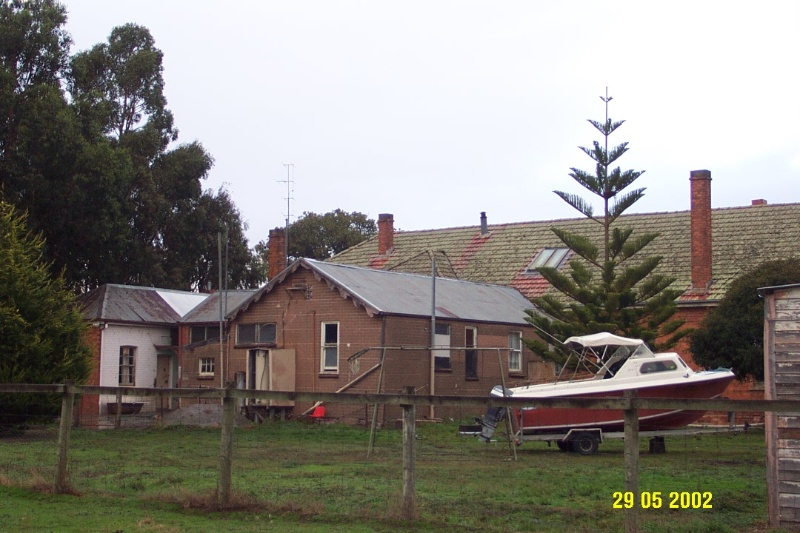 23394 Mac s Hotel Station St Glenthompson rear 1097