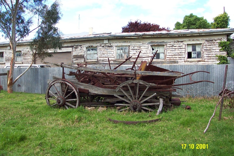 23062 Matthew Cooke s Blacksmith cart 0092