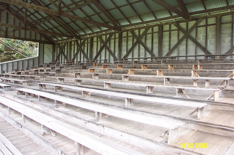 23379 Grandstand Racecourse Penshurst seating 1545