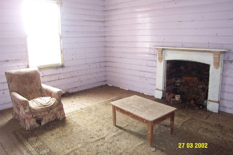 23205 Springwood Homestead Wannon stone cottage interior 2068
