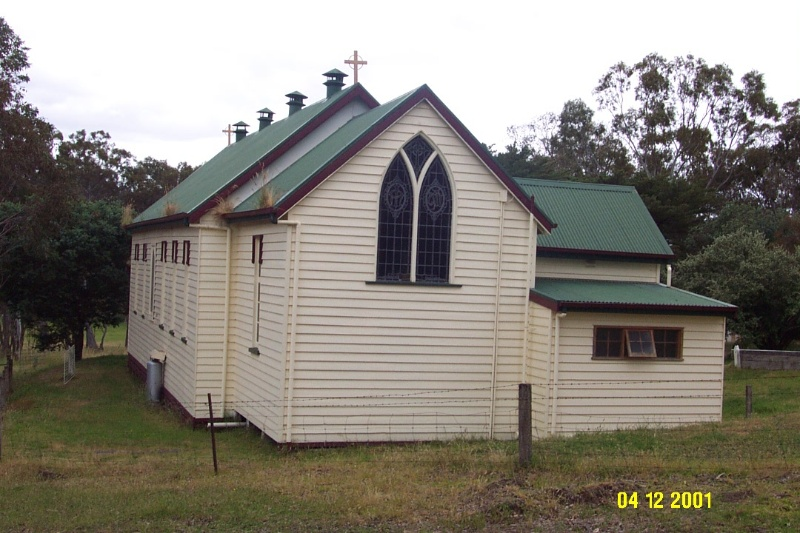 23170 Catholic church rear view Harrow 0276