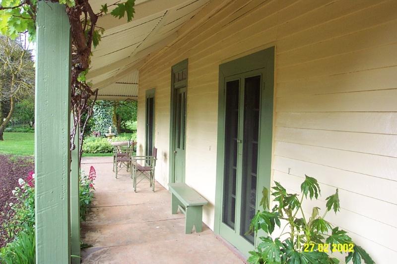 23418 Stirling Homestead Glenthompson front verandah 1680
