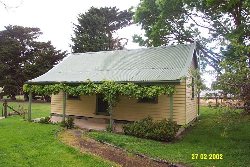 23418 Stirling Homestead Glenthompson railway cottage 1694