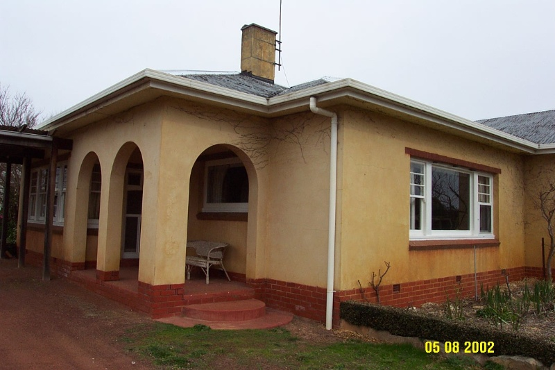 23399 Wintoc Glenthompson east porch 1202