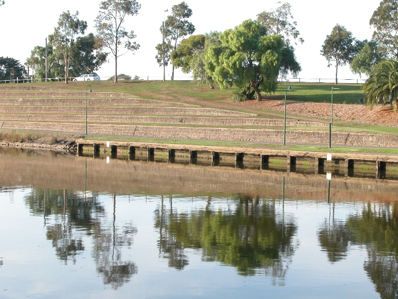 Henley's Landing Boatshed Maribyrnong May 2003 005