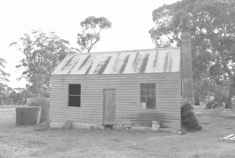 Workers' (probably shearers') quarters behind shearing shed.