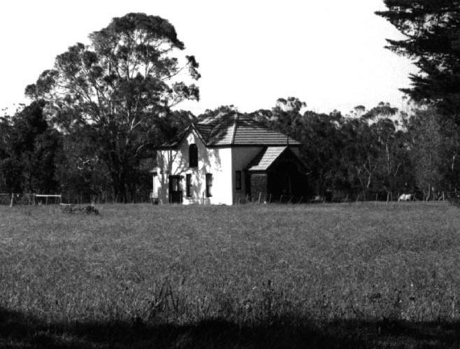 Kenilworth Former Coach House & Drive Plantation