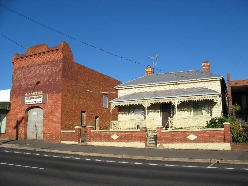 Maryborough cab building & house_KJ_8 Nov 07
