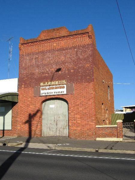 Maryborough cab building_KJ_8 Nov 07