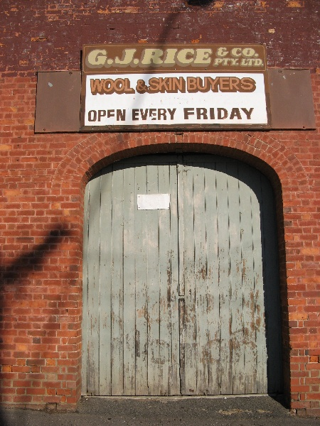 Maryborough cab building entrance_KJ_8 Nov 07