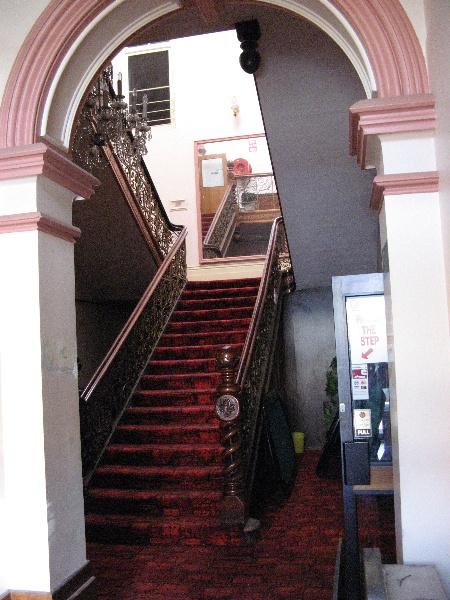 Bull & Mouth_Maryborough_staircase_KJ_8 Nov 07