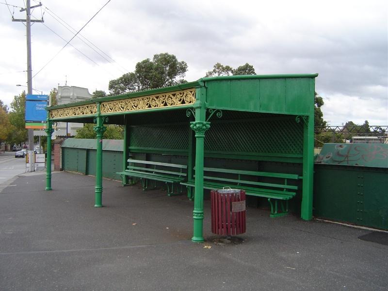 HO365 Tram Shelter