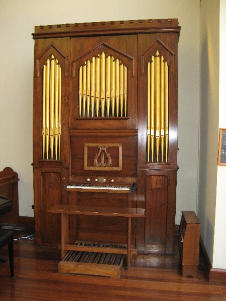 Moyle organ St Linus Merlynston_front_11 Feb 08