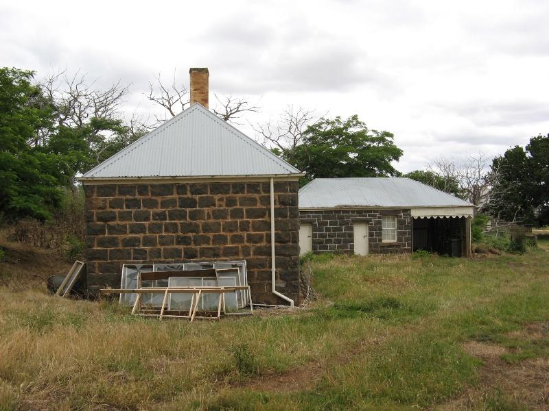 Mawallok outbuildings