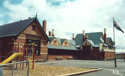 51 Truganini Rd Carnegie, 1994
