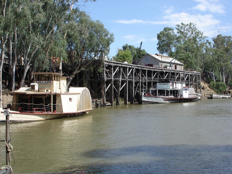 Echuca Wharf Jan 2006 mz Setting