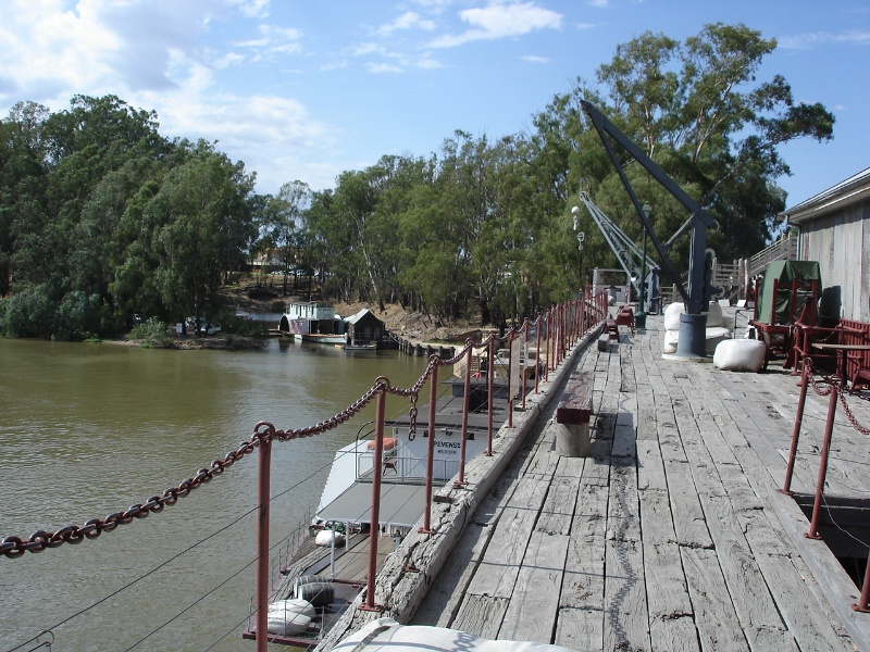 Echuca Wharf Jan 2006 mz View Along Wharf to Wet Dock