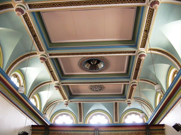 H2180 Clunes Town Hall - Hall ceiling 023