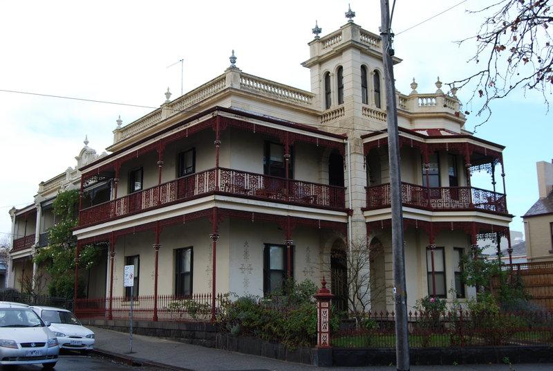 H1922 Residence Cnr Degraves St and Park Dve 1 02