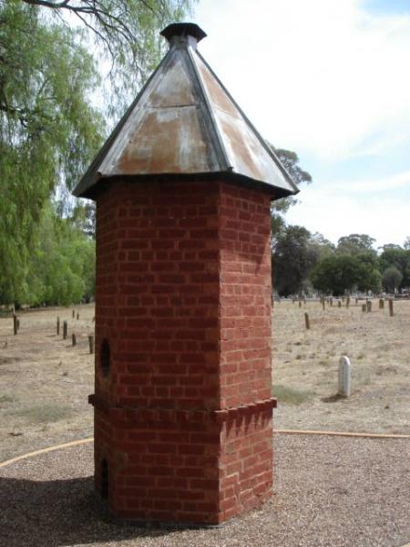 H2136 White Hills Cemetery 9 Feb 200 mz 022