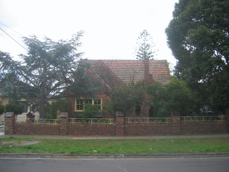 18 Barton Street, Reservoir