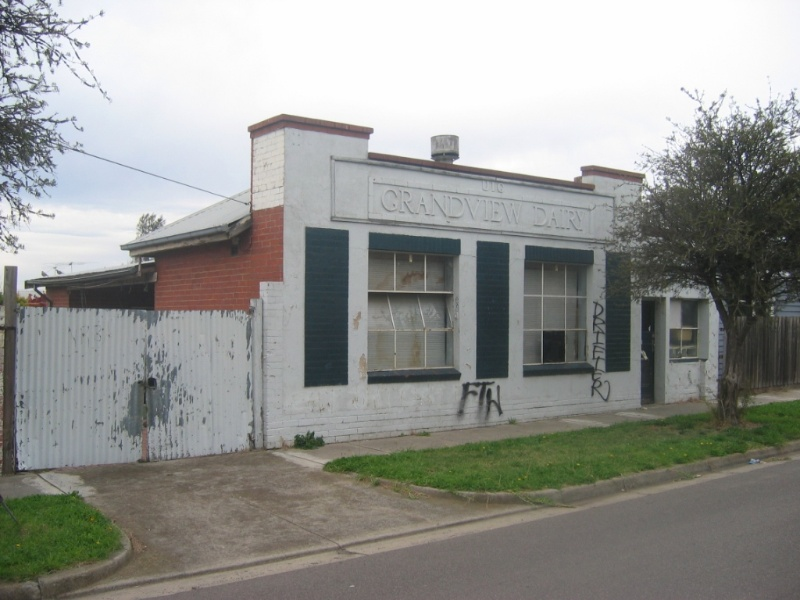 Grandview Dairy (former), 16 Young Street, Thornbury