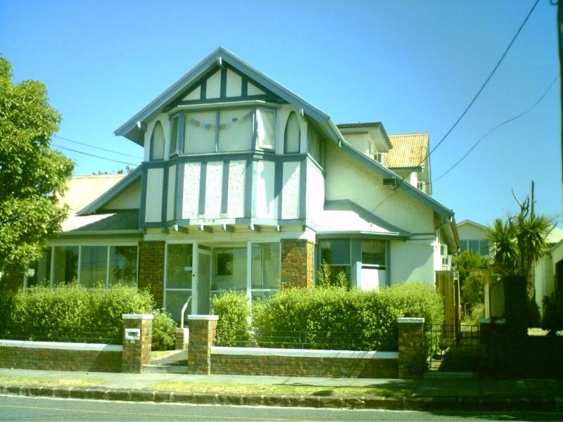 9 Villamanta Street, Geelong West
