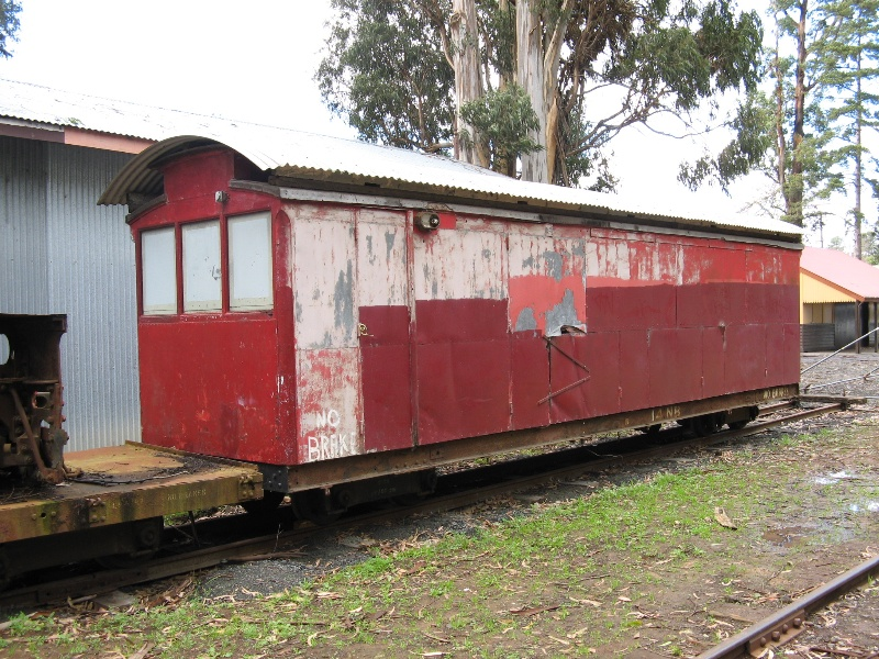Carriage 14NB_Puffing Billy Railway_June 2008_mz
