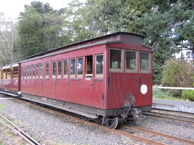Carriage 26NAC_Puffing Billy Railway_June 2008_mz