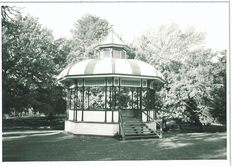 27213 Hamilton Botanic Gardens